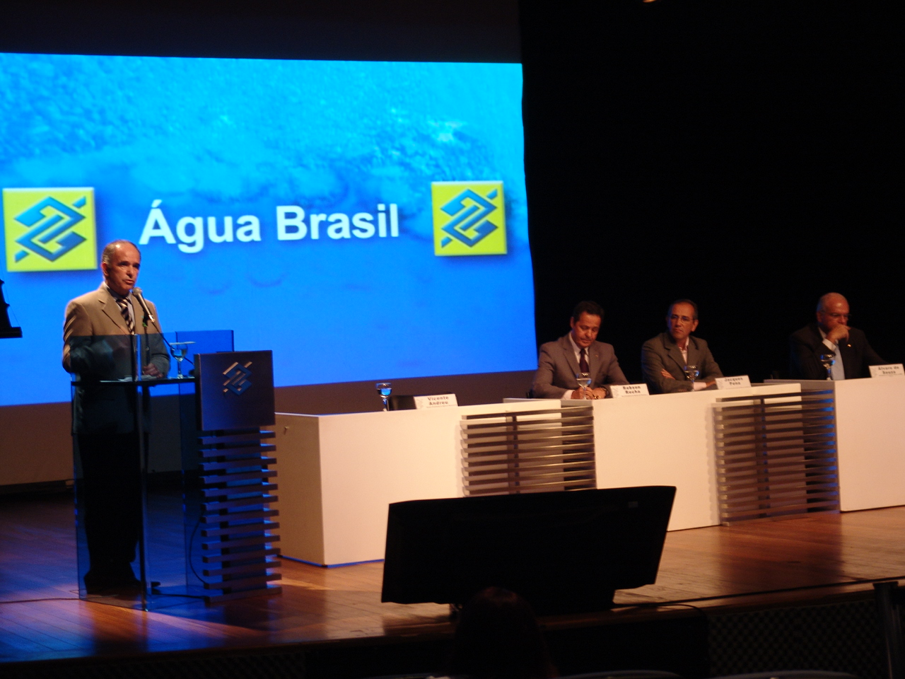 Vicente Andreu discursa em solenidade no CCBB