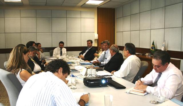O diretor da ANA, Paulo Varella, conduziu a reunião com a CPRM e a SRHU durante os dias 18 e 19 deste mês na sede da Agência