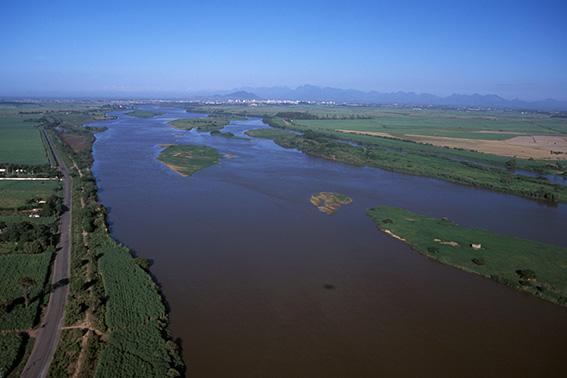 Falta de água em cidades abastecidas pelo bacia do Rio Paraíba do Sul deriva de problemas no sistema de captação